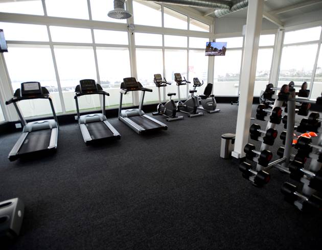 Hotel With Fully Equipped Gym in Maputo |Hotel Cardoso